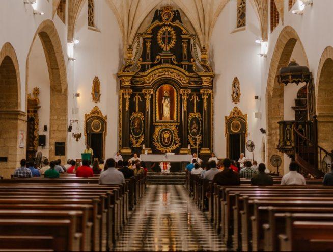 Msza święta – w sobotę wieczorem czy w niedzielę